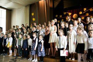 """Ulda Marhileviča koncerts """"Tava sirds ir tavas mājas"""" Rīgas Kristīgajā vidusskolā 26.05.2016."""