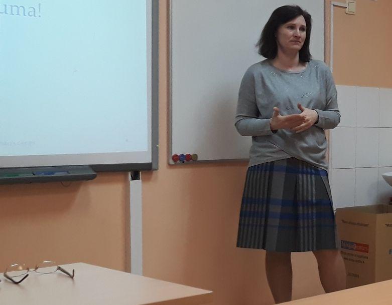 Ilutas Vilnītes lekcija skolotājiem par problēmbērnu iekļaušanu skolas vidē