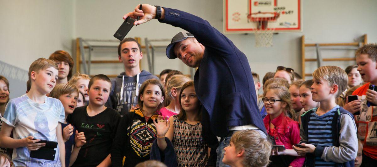 Fofo: skolā viesojas Mairis Briedis!