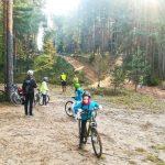 Rīgas Kristīgās vidusskolas vides pētnieku velopārgājiens Ogres Zilajos kalnos 13.10.2018.
