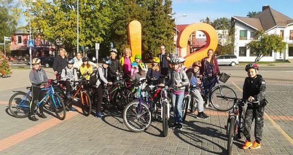Rīgas Kristīgās vidusskolas Vides pētnieku pulciņa velopārgājiens 15.09.2018.